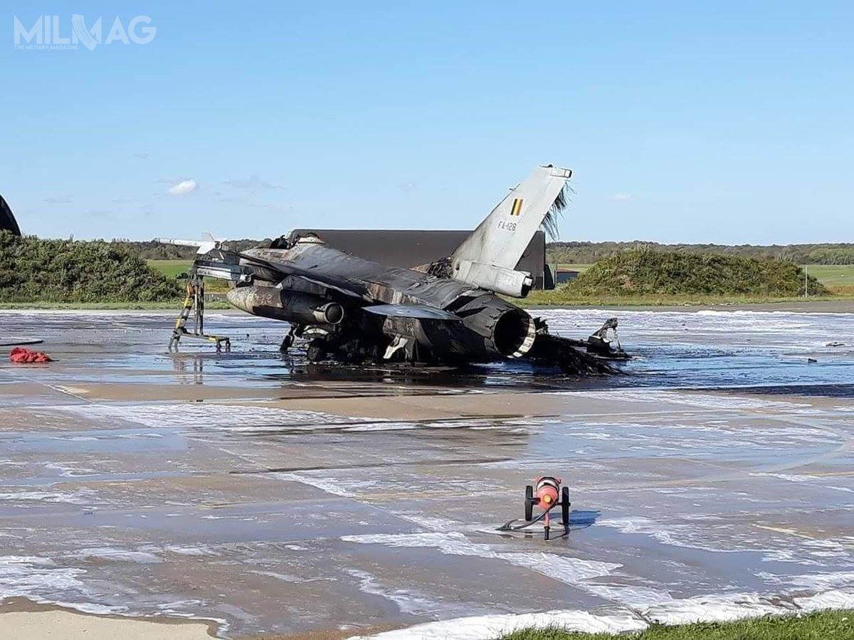 F-16AM onumerze bocznym FA128 spłonął doszczętnie izostanie prawdopodobnie skreślony zestanu izezłomowany. Topierwsza strata tego typu samolotu nawyposażeniu Belgii.