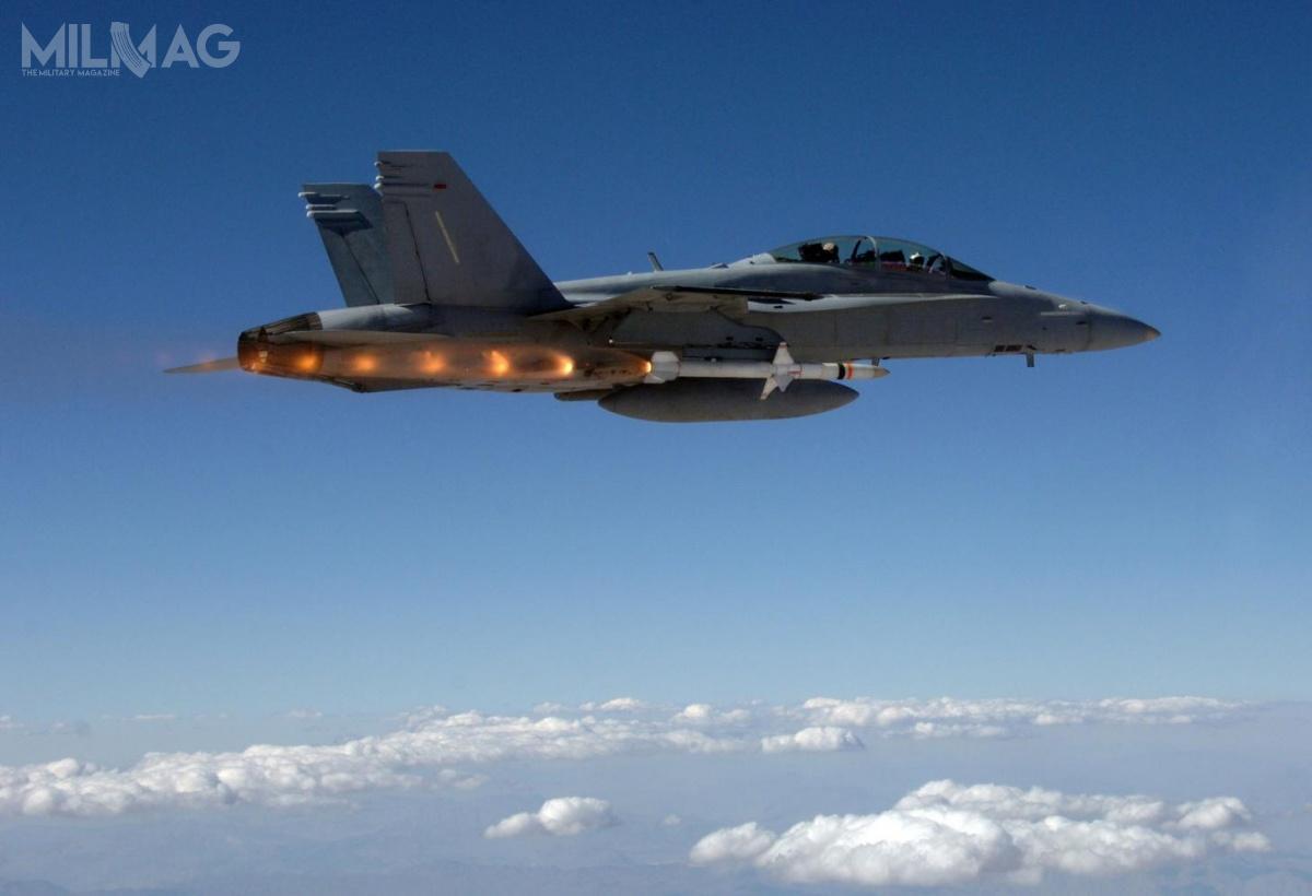 AGM-88E AARGM został jak dotąd zintegrowany zsamolotami F/A-18C/D/E/F, Tornado ECR, EA-18G, F-16, EA-6B, atakże F-35. /Zdjęcie: US Navy