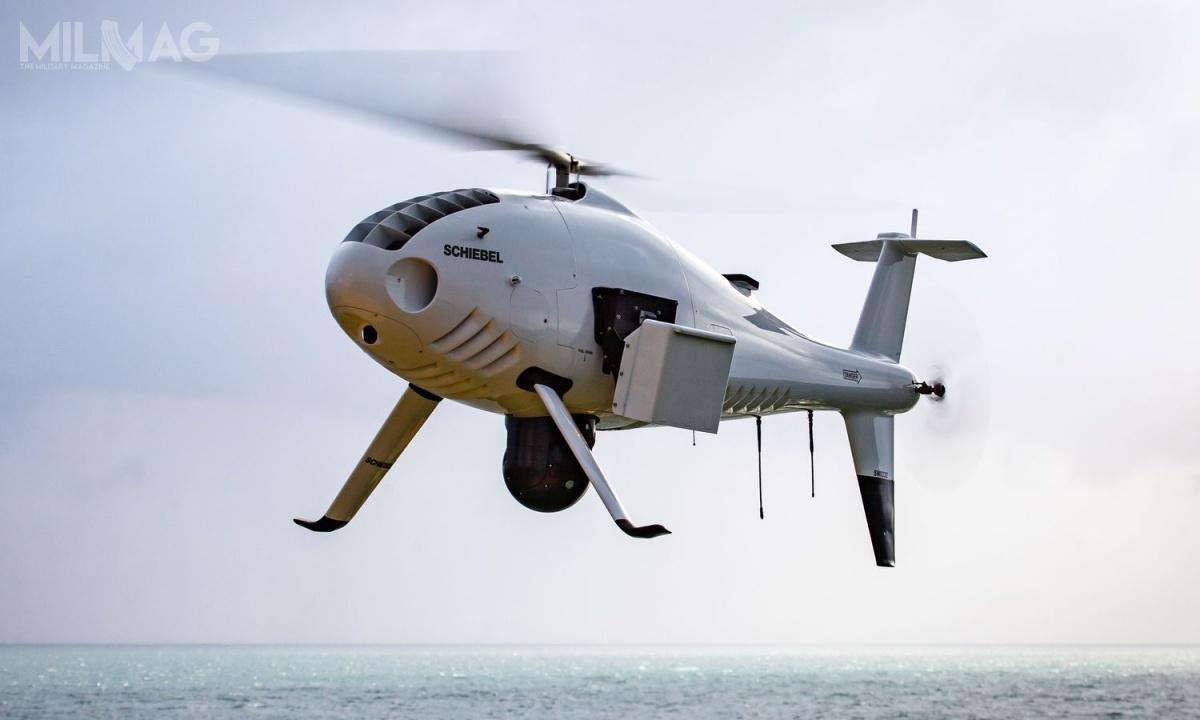 Jedną zpotencjalnych propozycji naAlbatrosa może być bezzałogowy śmigłowiec Camcopter S-100, produkowany przezaustriacką Schiebel Group. Statki powietrzne tego typu są nawyposażeniu wojsk lądowych Zjednoczonych Emiratów Arabskich, marynarek wojennych Niemiec, Chin iMalezji, Pogranicznej Służby Federalnej Służby Bezpieczeństwa Rosji, atakże sił zbrojnych Australii, Belgii, Egiptu, Francji, Indii, Włoch, Jordanii, Libii, Mjanmy, Tunezji iUSA, służb granicznych Malty iWielkiej Brytanii orazMSW Chorwacji. / Zdjęcie: Schiebel Group