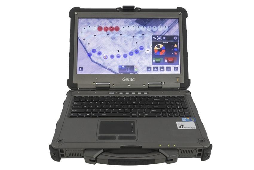 Operator wykorzystuje przenośne urządzenie elektroniczne wraz zaplikacją nadzorującą doodbierania sygnałów, które są przetwarzane zapomocą algorytmów opartych osieci neuronowe / Zdjęcia: Grupa WB