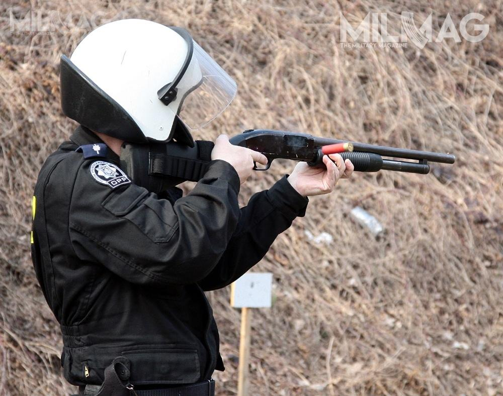 Komenda Główna Policji poszukuje dostawcy 1354 580 naboi kalibru 5,56 x 45 mm NATO zpociskiem całopłaszczowym TFMJ typu SS109 oraz485 000 naboi specjalnych 12/70 dostrzelb gładkolufowych / Zdjęcie: Grzegorz Franczyk