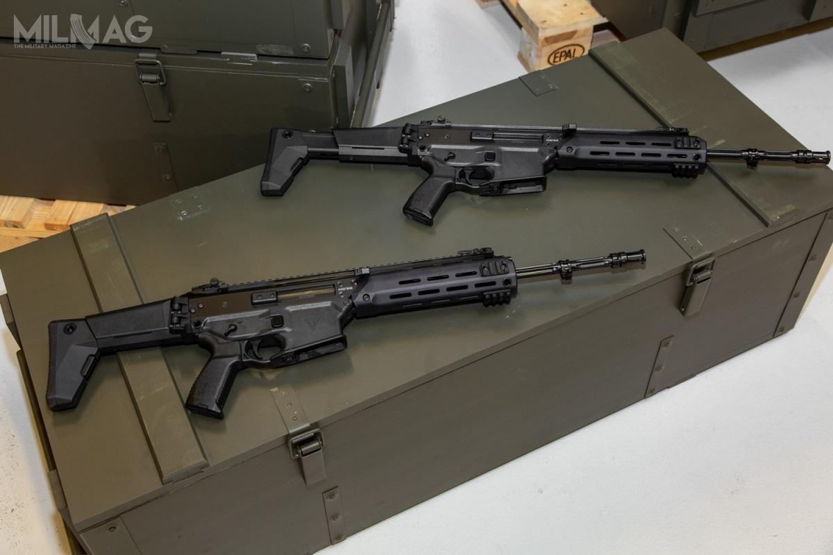 W ramach umowy z2017 roku aneksowanej obecnie, Wojsko Polskie do2022 roku ma otrzymać 50 tysięcy karabinków standardowych Grot C16. Wkolejnych latach zamawiane będą także subkarabinki Grot C10 z256-mm lufami oraz40-mm granatniki podwieszane GP