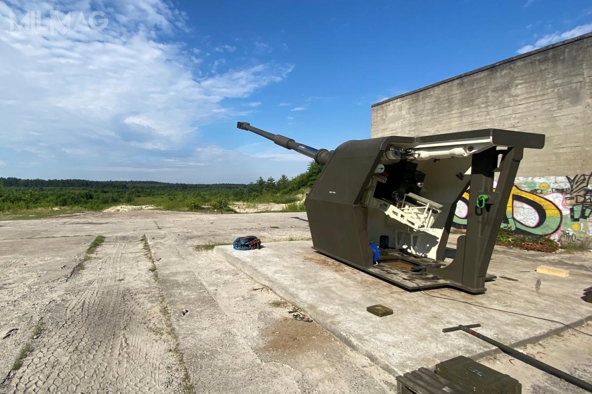 Opracowywana amunicja APR 155 torozwiązanie napotrzeby Dywizjonowych Modułów Ogniowych Regina, wyposażonych w155-mm armatohaubice Krab, awdalszej kolejności dla kołowych armatohaubic Kryl