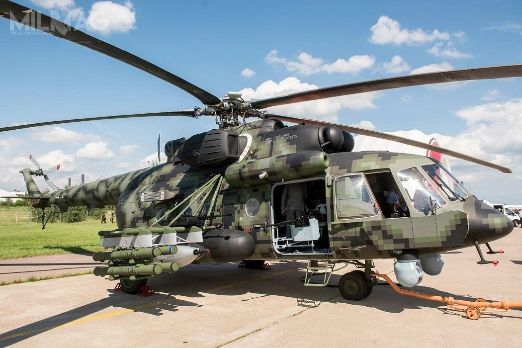 Mi-8AMTSz-WN uzbrojono wprzeciwpancerne pociski kierowane 9M120-1 Ataka-WM, zasobnik z23-mm działkiem GSZ-23L, zasobniki podskrzydłowe B-8W20-A z80-mm niekierowanymi rakietami S-8 orazcztery 12,7-mm karabiny maszynowe Kord / Zdjęcia: Wiertalioty Rossii