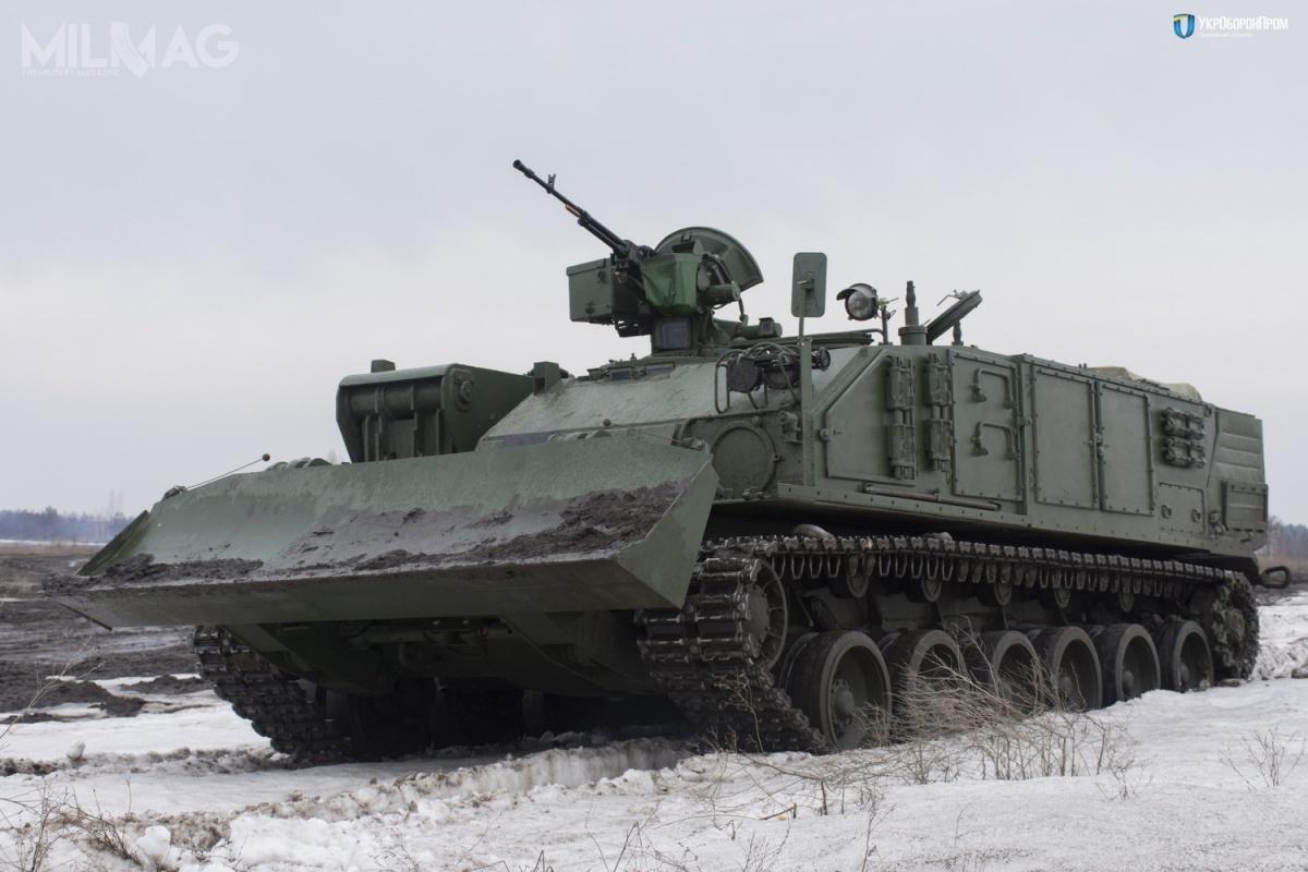 Atlet został wyposażony wwyciągarkę oparametrach umożliwiających odholowani każdego ukraińskiego czołgu. Ponadto pojazd przewozi komplet wyposażenia umożliwiającego naprawy wwarunkach polowych