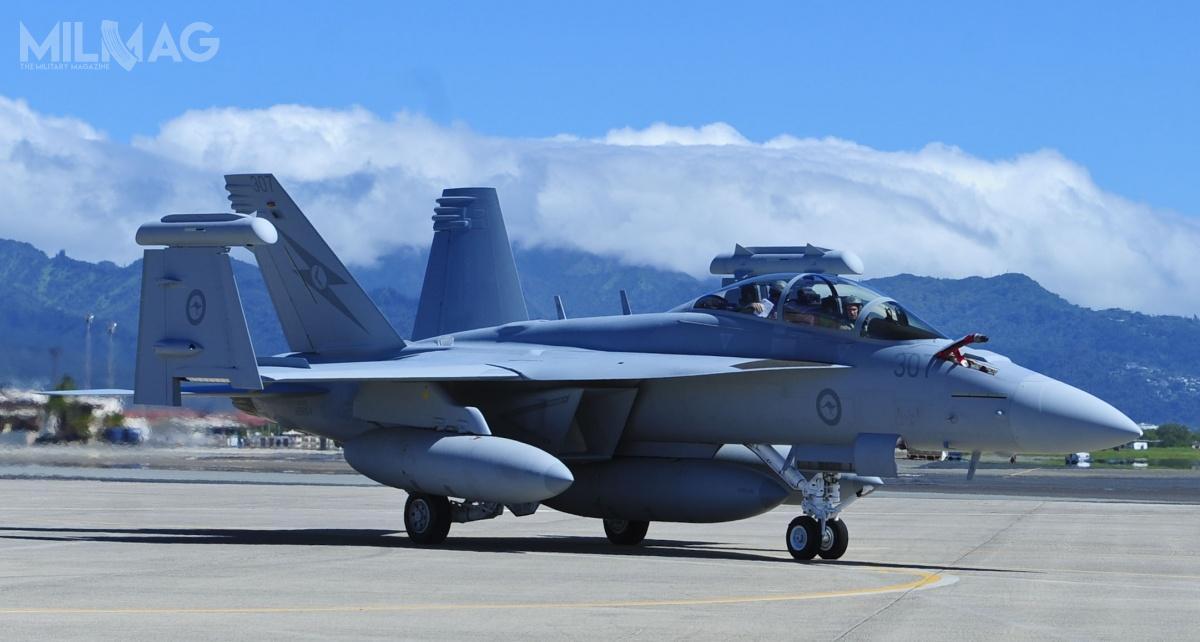 Australia zamówiła 12 samolotów walki radioelektronicznej iprzełamywania obrony powietrznej E/A-18G Growler. Jednakże jeden znich onrseryjnym A46-311 uległ zniszczeniu, gdyzapalił się jeden zsilników / Zdjęcie: USAF