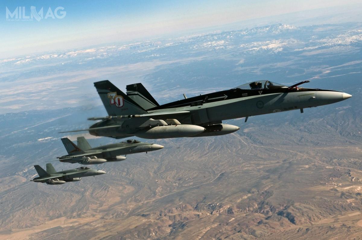Z 75 australijskich F/A-18A/B 4zostały skreślone zestanu, 25 sprzedanych doKanady, a4zostaną przekształcone weksponaty muzealne. Pozostałe 42 zostaną sprzedane spółce Air USA / Zdjęcie: RAAF