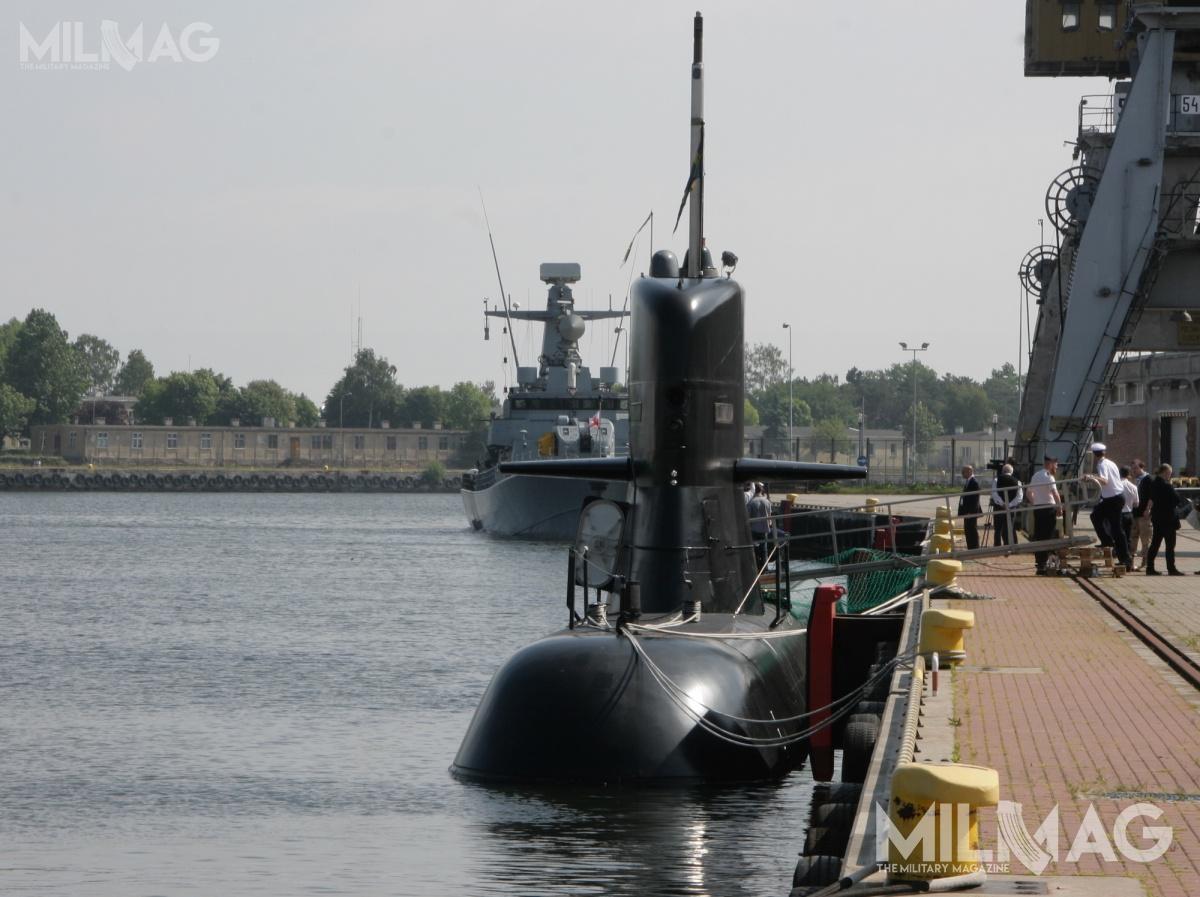 W manewrach uczestniczy szwedzki okręt podwodny HSwMS Södermanland. Jest tojednostka klasy Södermanland (zmodernizowany typ Västergötland), wyposażona wniezależny odpowietrza atmosferycznego napęd Stirlinga. Okręty wpodobnej konfiguracji Szwedzi zaproponowali Polsce wramach programu Orka  /Zdjęcie: Jakub Link-Lenczowski