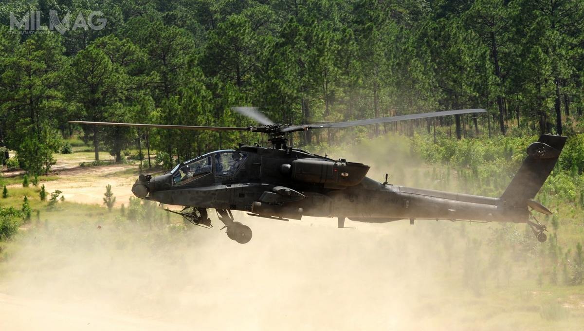 Według informacji Boeinga, obecnie jest eksploatowanych naświecie około 1200 śmigłowców uderzeniowych AH-64, aBangladesz może stać ich 17. użytkownikiem / Zdjęcie: US Army