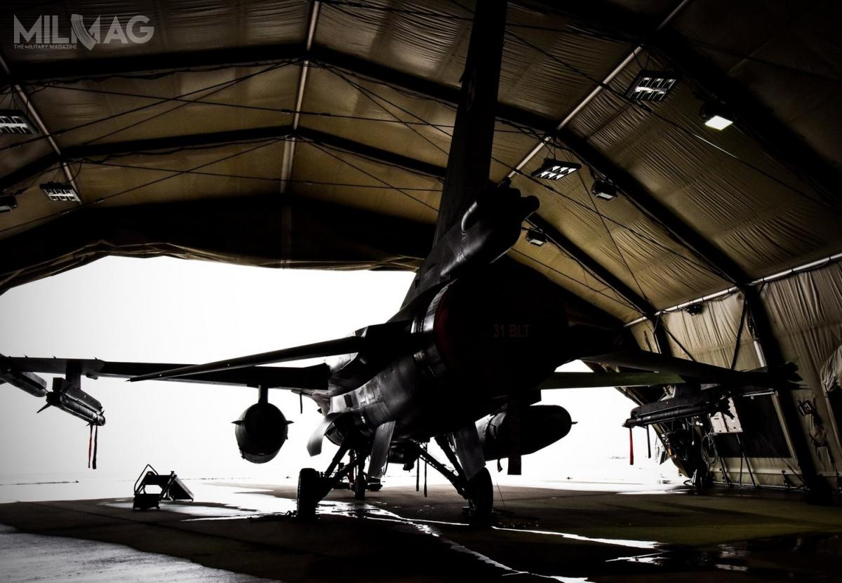 W ramach PKW Orlik 8w1. Bazie Lotniczej wSzawlach naLitwie wylądowały cztery myśliwce wielozadaniowe F-16C Jastrząb z31. Bazy Lotnictwa Taktycznego wPoznaniu-Krzesinach