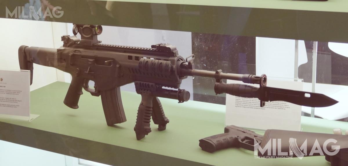 Służba Więzienna kupiła dotejpory 350 karabinków Beretta ARX160A3 z16-calowymi/406-mm lufami. Broń dostarczyła warszawska spółka UMO. Obecnie Zakład Karny wOpolu Lubelskim poszukuje dodatkowych 15 karabinków Beretta ARX160, alezkrótszymi 14-calowymi/356-mm lufami / Zdjęcie: Remigiusz Wilk