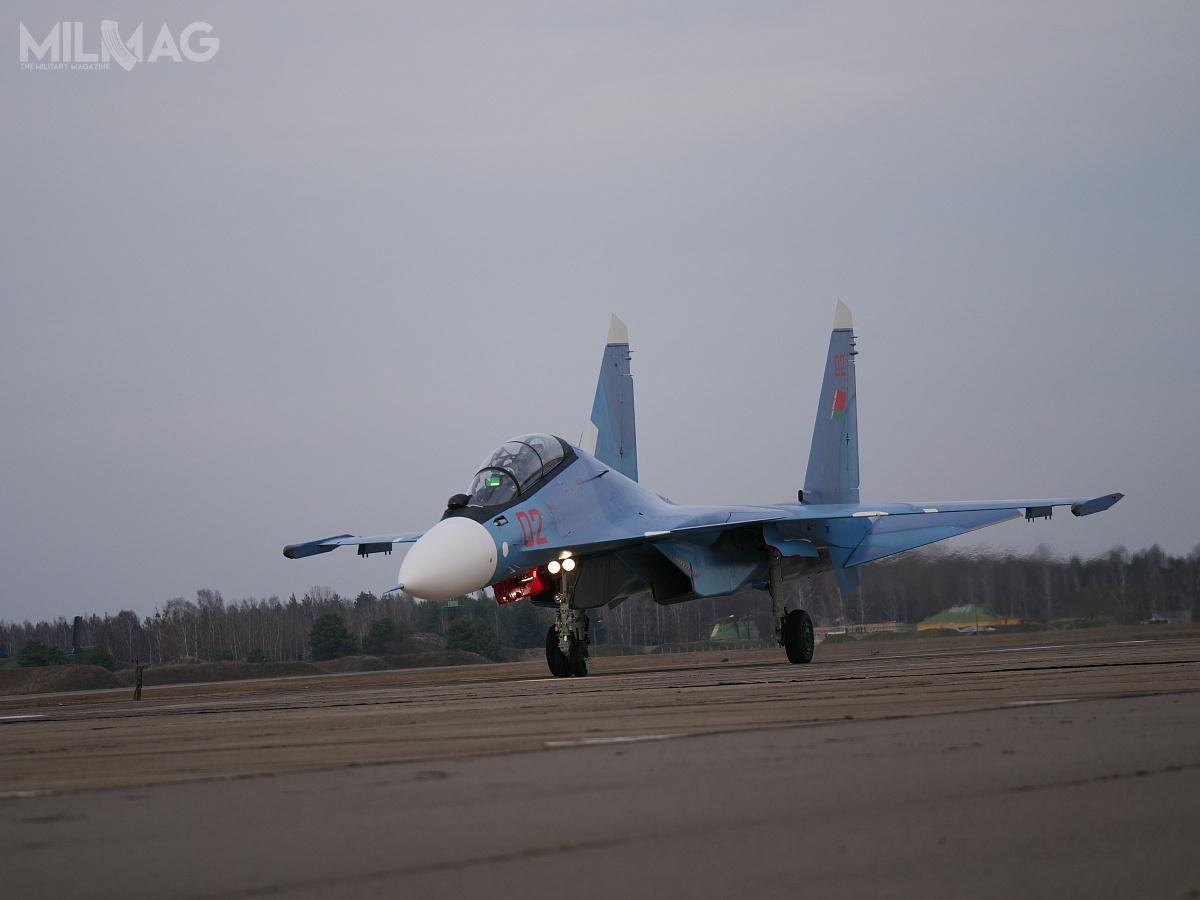 Białoruś zamówiła łącznie 12 samolotów wielozadaniowych Su-30SM. Samoloty mają zastąpić 24 zmodernizowane MiG-29BM/UB i12 szturmowych Su-25 Gracz. Według białoruskich specjalistów konserwacja inaprawy samolotów będą możliwe wprzyszłości w558. Zakładach Remontowych wBaranowiczach / Zdjęcie: Ministerstwo Obrony Białorusi
