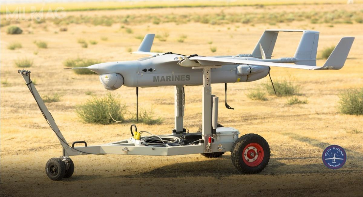 RQ-21A Blackjack dostartu wymaga pneumatycznej katapulty, alądowanie następuje zwykorzystaniem urządzenia zwanego Skyhook. /Zdjęcie: Insitu