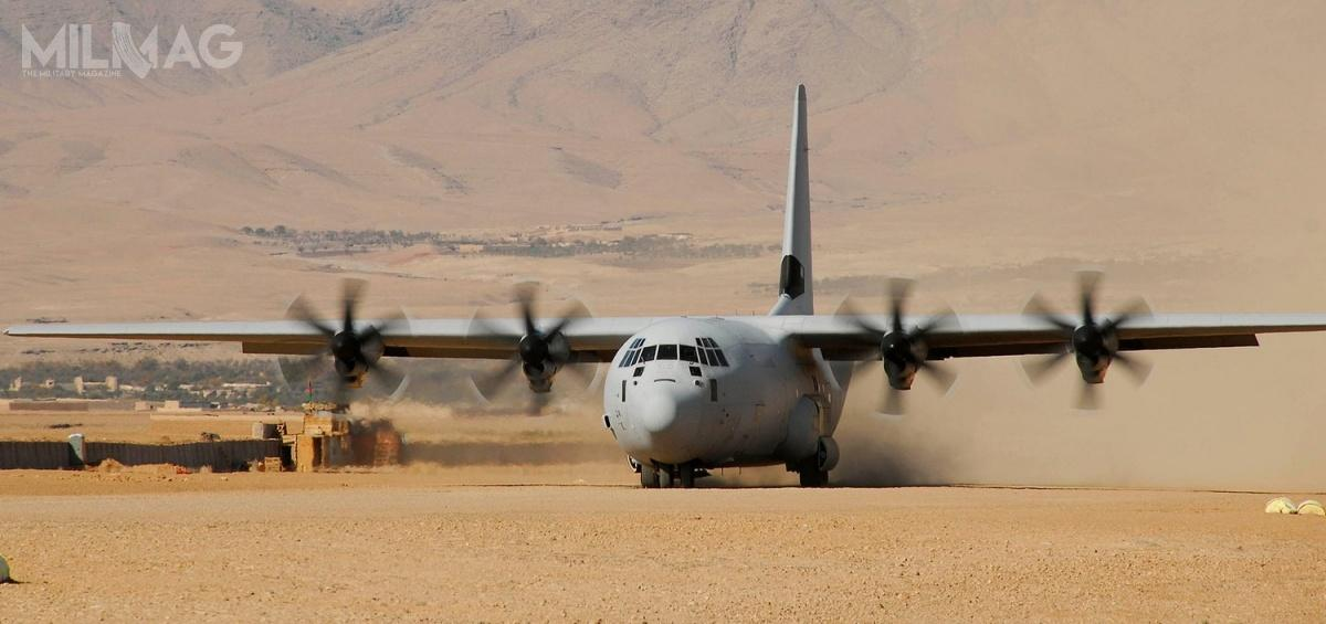 Lockheed Martin C-130J-30 jest wydłużoną o4,57 m (15 stóp) wersją Super Herculesa, któryotrzymał dodatkowy przedział ładunkowy. /Zdjęcie: Lockheed Martin