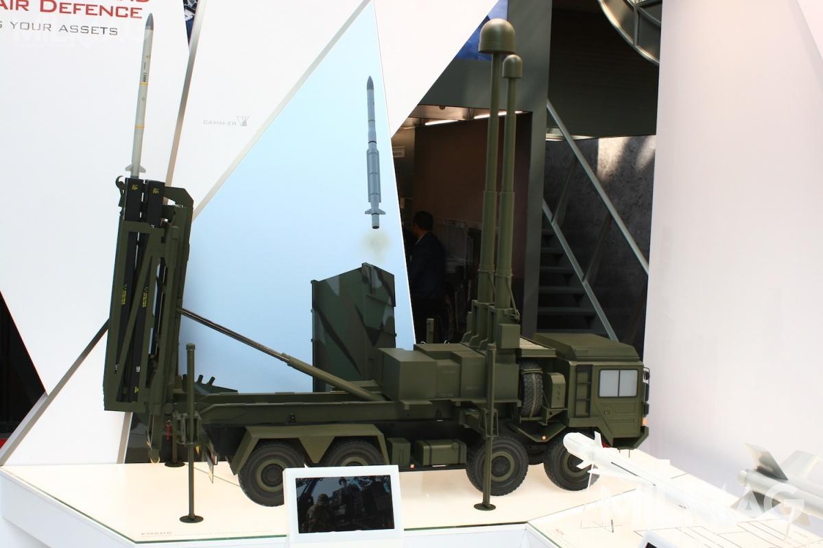 Istnieje możliwość częściowej polonizacji CAMM. System mógłby wykorzystywać już istniejącą sieć radarów orazbyć posadowiony naciężarówkach produkowanych wPolsce.