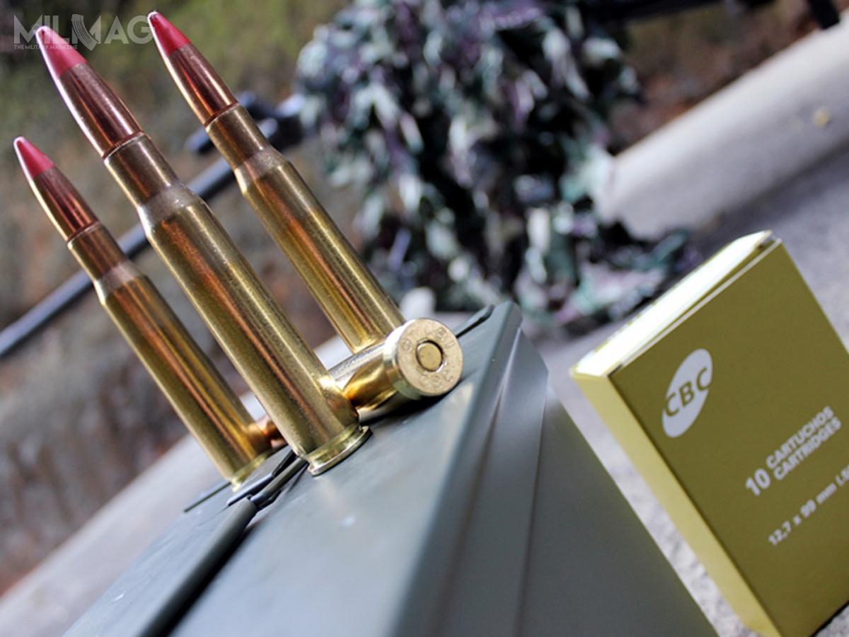 Brytyjskie ministerstwo obrony podpisało wieloletnią umowę nadostawy amunicji zwykłej ismugowej (nazdjęciu) 12,7 mm x 99 zbrazylijską Companhia Brasileira de Cartuchos / Zdjęcie: CBC Defense