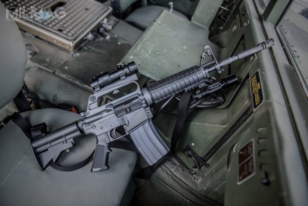 Szczególnie interesującymi pozycjami wofercie Cenzinu wydają się być karabinki zrodziny My Service Rifle, upamiętniające szczególne wydarzenia zkonfliktów zbrojnych. /Zdjęcia: Cenzin, Troy
