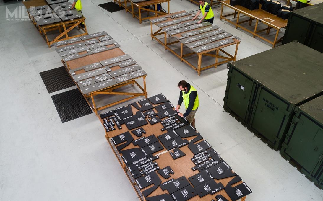 Demontowane panele posłużą doosłony kokpitu załogi ikabiny głównej (ładowni). Zapewnią one pełną ochronę przedostrzałem zbroni małokalibrowej / Zdjęcie: Craig International Ballistics