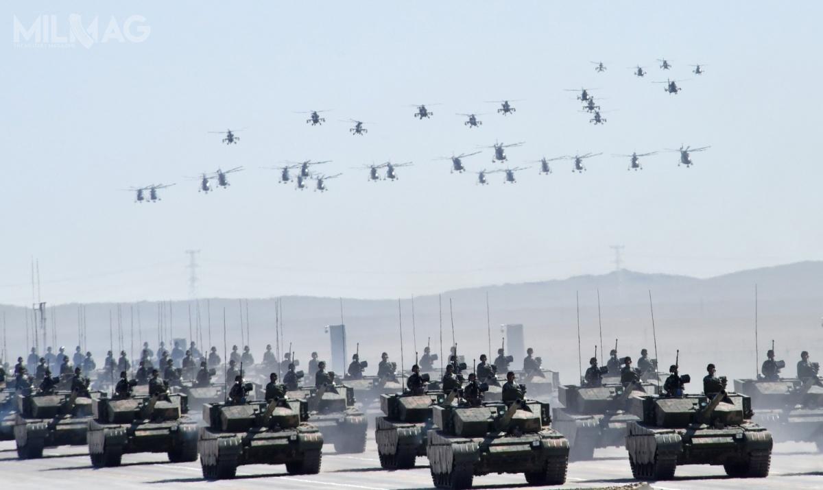 Najnowsze dane uzyskane przezszwedzkich analityków wskazują, żeChiny wyprzedziły Rosję wprodukcji broni, alenadal znacznie ustępują Stanom Zjednoczonym / Zdjęcie: Ministerstwo Obrony ChRL
