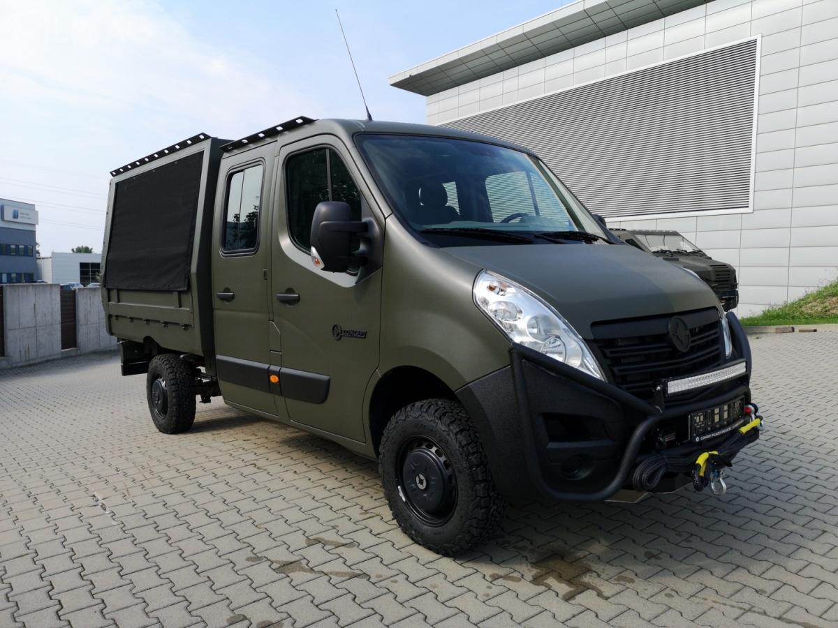 LMPV II powstał woparciu ozmodyfikowany przezspółką Oberaigner samochód typu furgon Opel Movano.
