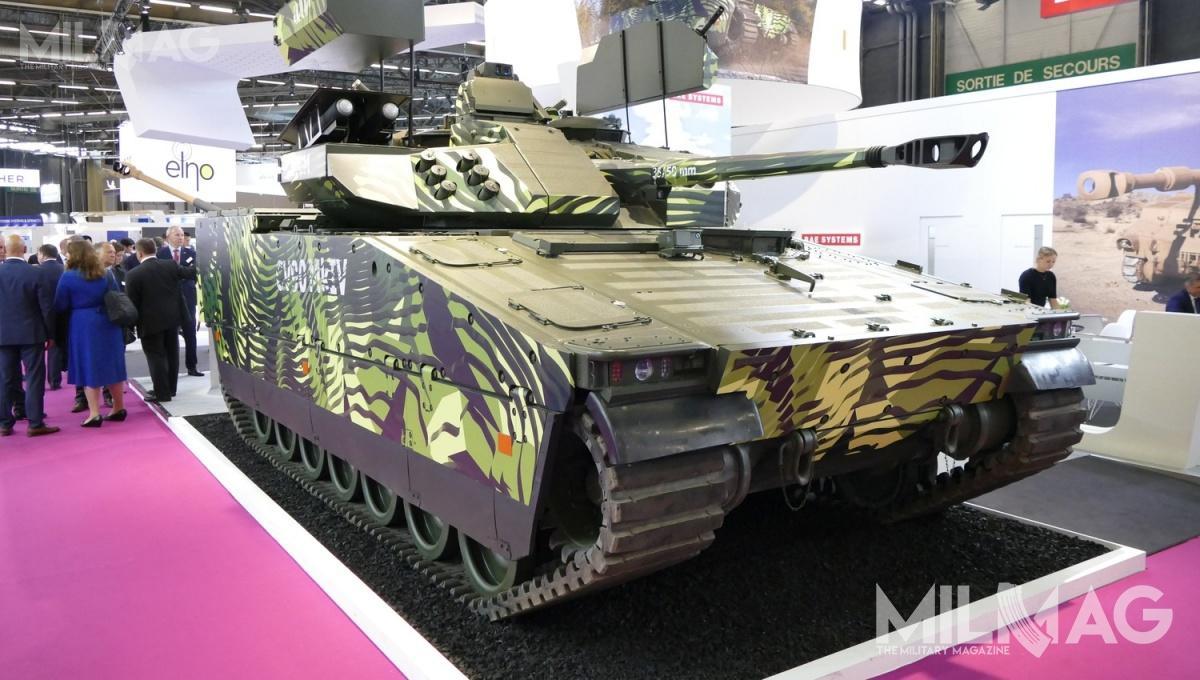 CV90 MkIV został zaprezentowany wParyżu wnowym kamuflażu / Zdjęcie: Remigiusz Wilk