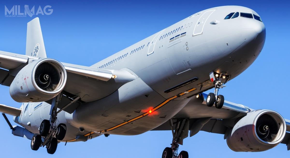 2 czerwca 2019 wzakładach Airbusa wManchesterze zaprezentowano pierwszy A330-200 MRTT wbarwach Sojuszu Północnoatlantyckiego. Osiem samolotów tankująco-transportowych zamówiła Agencja wsparcia izamówień NATO (NATO Support and Procurement Agency) przezorganizację OCCAR (Organisation conjointe de coopération en matière d'armement) / Zdjęcie: Airbus Space and Defence