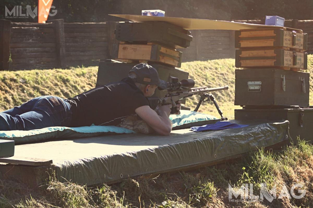 Cele rozmieszczono naróżnych dystansach, takaby strzelcy mogli samodzielnie wypracować poprawki.