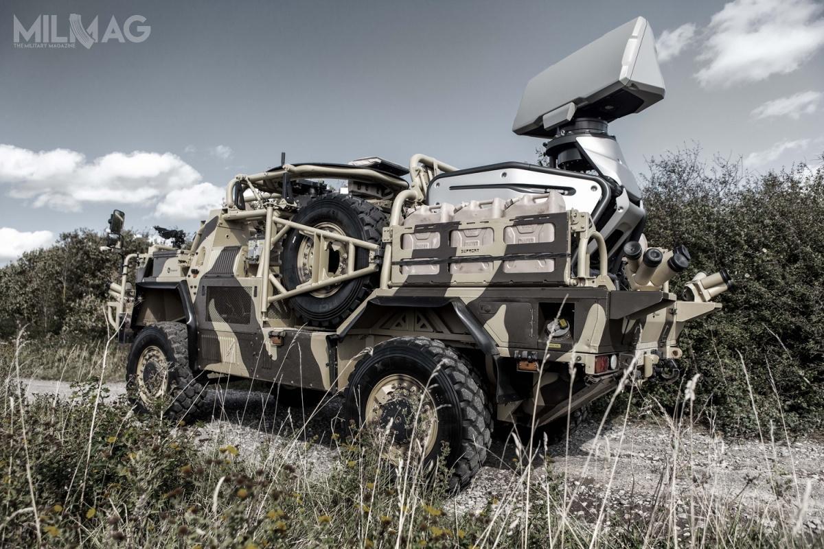 Prototyp radaru Giraffe 1X zadebiutował podczas paryskich targów Eurosatory 2016, natomiast prezentowany naDSEI 2019 egzemplarz pochodzi zprodukcji seryjnej. 20 września 2017 Saab poinformował, żenieujawniony klient zamówił radary Giraffe 1X, aleniepoinformowano oliczbie zestawów ani wartości kontraktu. Wlutym 2019 radar został zaoferowany Indiom / Zdjęcie: Saab Defence and Security