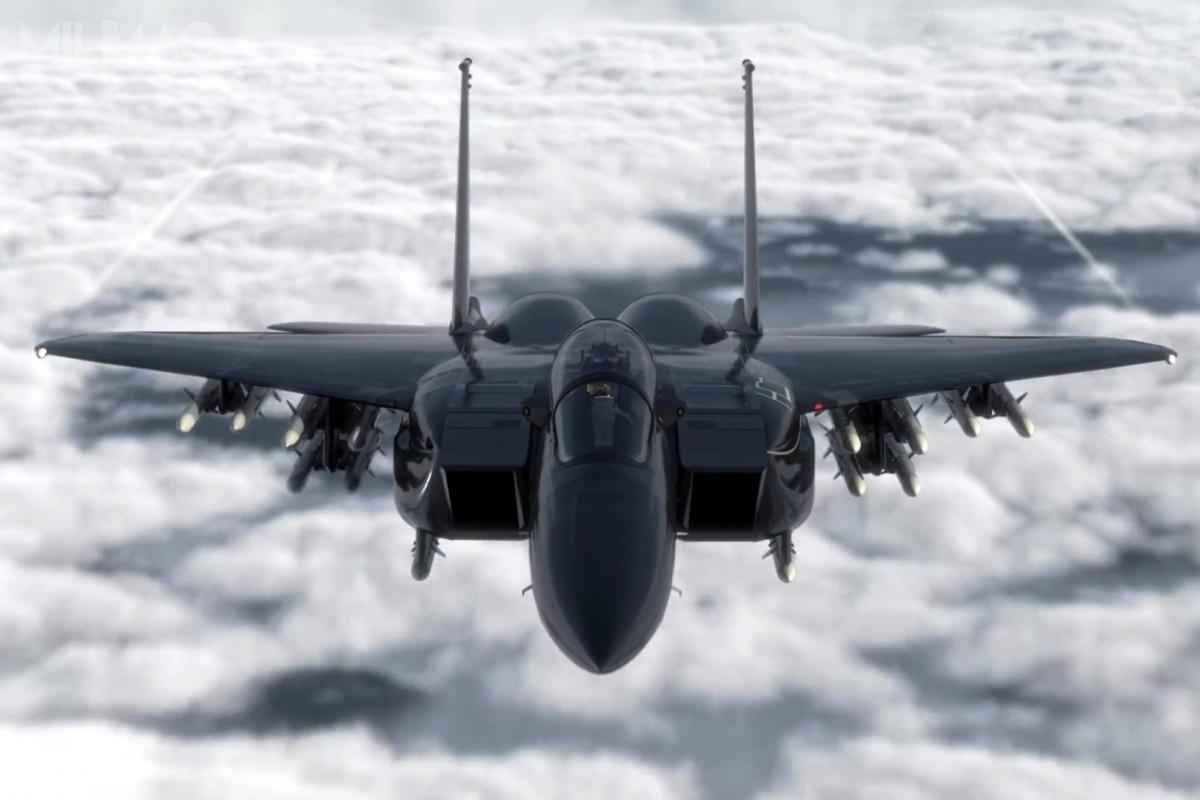 Najnowocześniejszymi obecnie odmianami F-15E Strike Eagle są już dostarczone saudyjskie F-15SA ikatarskie F-15QA, którychmontaż niedawno się rozpoczął. Boeing oferuje także zaawansowany wariant F-15X, alezzastrzeżeniem tylkodla USAF. /Zdjęcie: Boeing