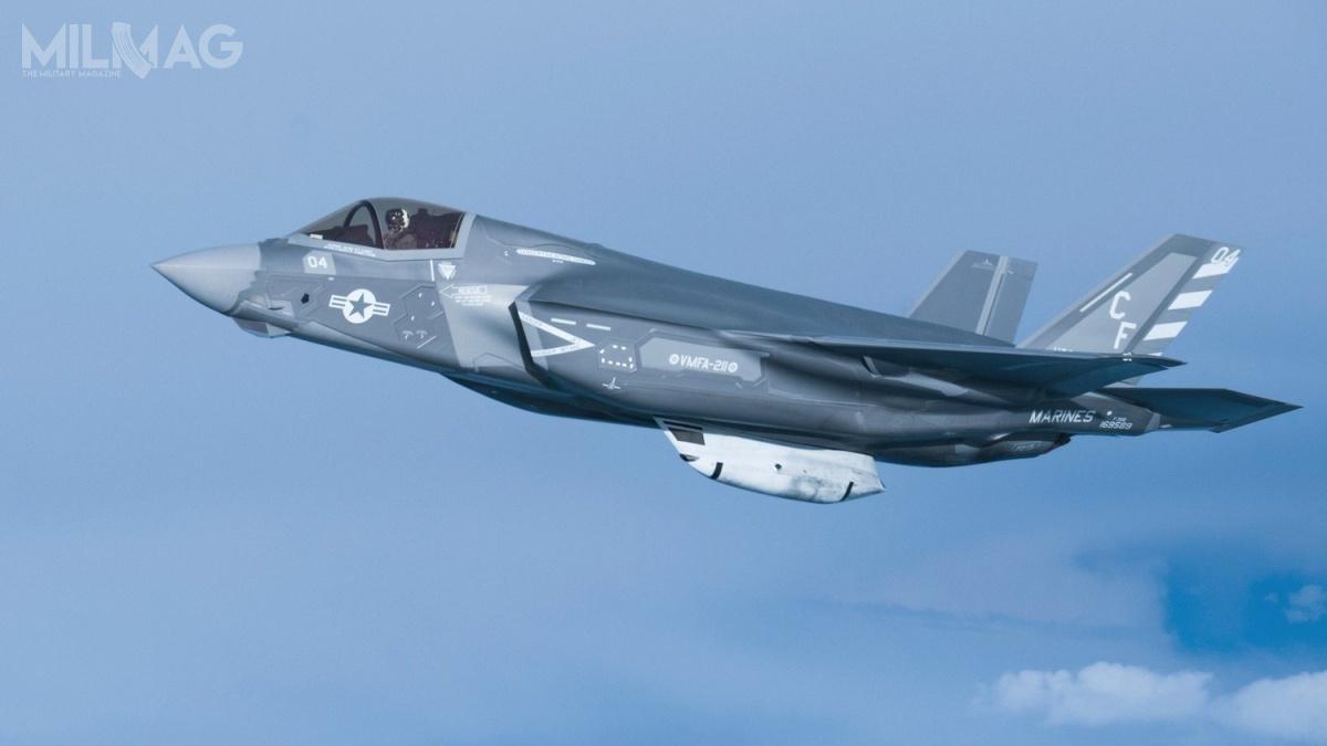 Biuro programowe F-35 niesprecyzowało jaka liczba samolotów została uziemiona. Nieoficjalnie mówi się okilkudziesięciu F-35B. USMC dysponuje obecnie flotą 61 tego typu samolotów 5. generacji. /Zdjęcie: USAF