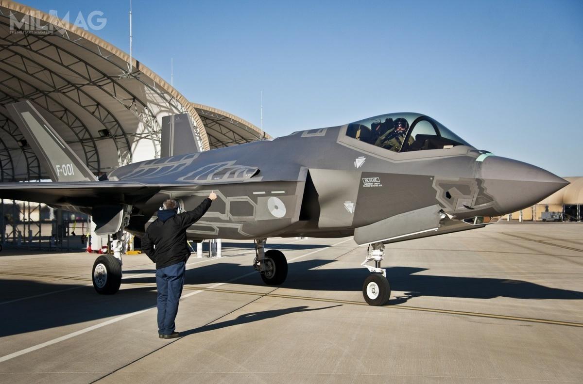 Zgodnie zobecnymi planami 46 samolotów F-35A Lightning II zastąpi 61 samolotów wielozadaniowych F-16AM Block 20 MLU, użytkowanych od1979. Dwoma wybranymi wcześniej lokalizacjami ich stacjonowania są bazy lotnicze Leeuwarden (Fryzja) orazVolkel (Brabancja Północna) / Zdjęcie: USAF