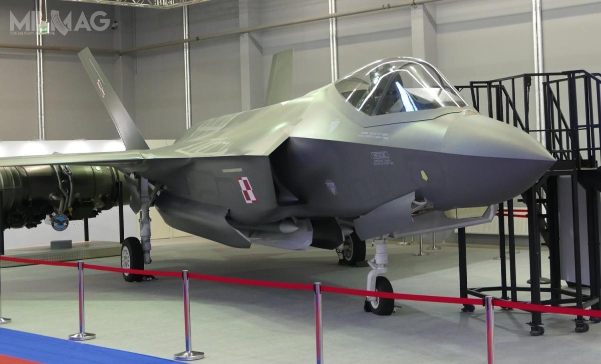 28 maja 2019 roku Ministerstwo Obrony Narodowej przesłało wniosek wsprawie zgody nasprzedaż 32 samolotów wielozadaniowych F-35A Lightning II. Zgodnie zdeklaracjami producenta spółki Lockheed Martin, pierwsze cztery samoloty zostaną dostarczone w2024. / Zdjęcie: Remigiusz Wilk