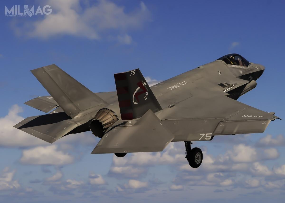 Pierwsze operacyjne F-35C służą w147. Eskadrze Myśliwców Uderzeniowych (VFA-147 Argonauts). Zostaną rozmieszczone nalotniskowcu USS Carl Vinson (CVN-70), typu Nimitz w2021. Docelowo dodwóch zczterech eskadr każdego skrzydła lotniczego US Navy ma trafić 480 F-35C / Zdjęcie: US Navy