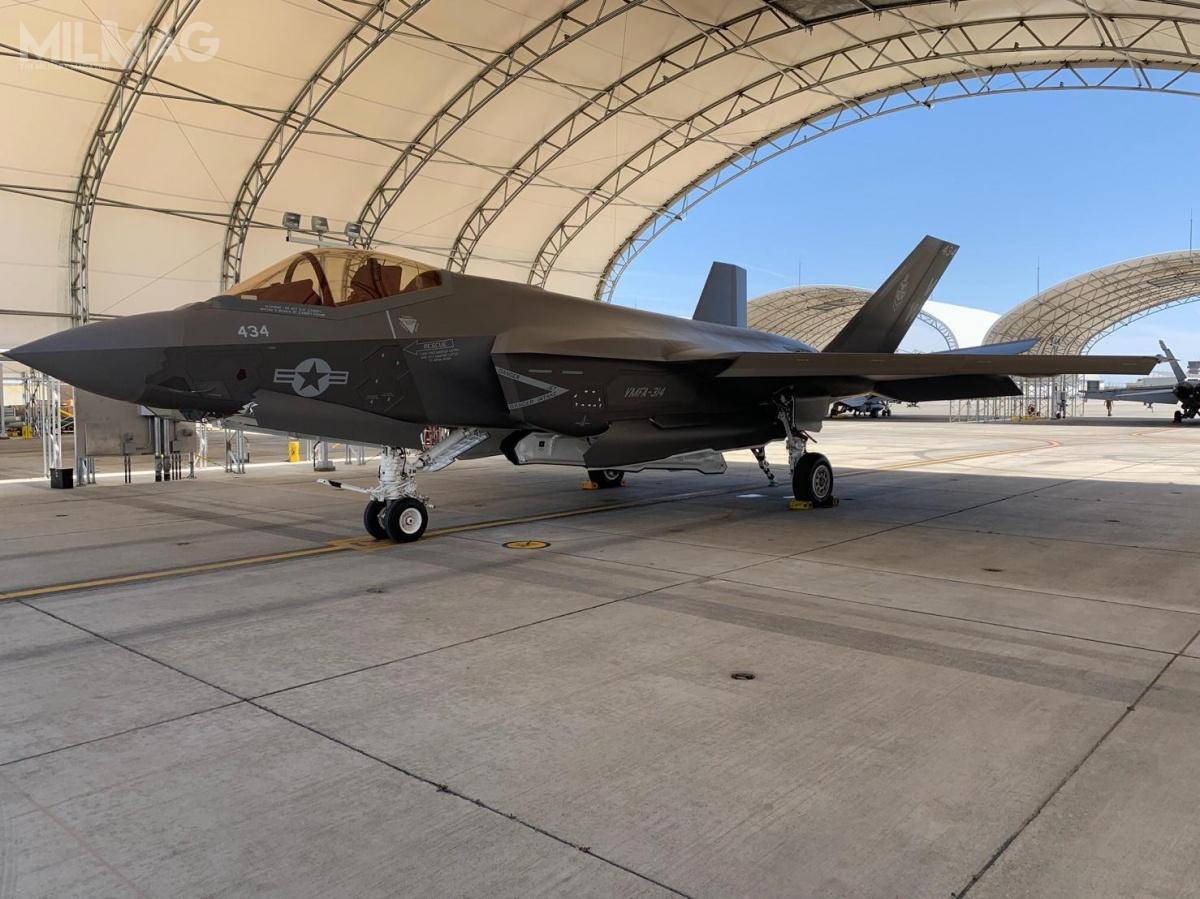 Korpus Piechoty Morskiej Stanów Zjednoczonych zamówił łącznie 67 samolotów pokładowych F-35C, które zostaną rozmieszczone nalotniskowcach US Navy. Pierwszy F-35C Block 3F nosi nrseryjny CF-35/169601. Fotografie samolotu opublikowano 3tygodnie wcześniej