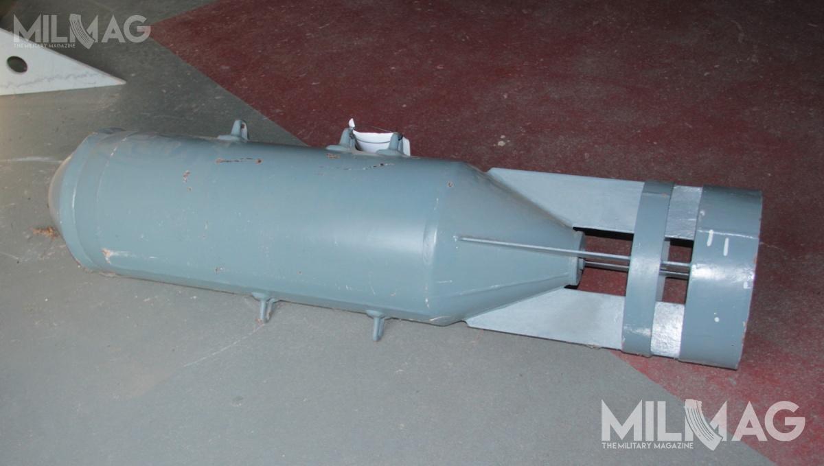 Ćwierćtonowe, swobodnie opadające lotnicze bomby odłamkowo-burzące OFAB-250-270 są przeznaczone doniszczenia sprzętu wojskowego, transportów kolejowych, urządzeń przemysłowych irażenia siły żywej nieprzyjaciela.