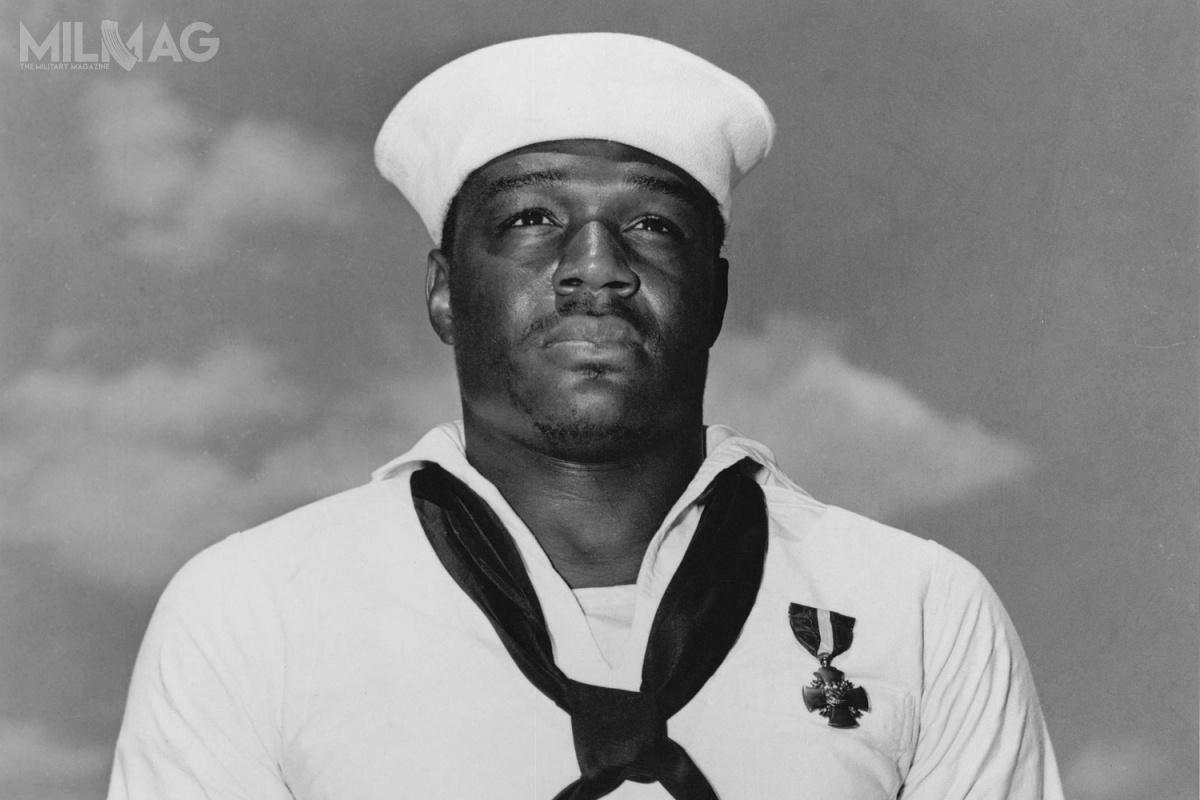 Doris Miller został sportretowany przezElvena Havarda wfilmie z1970 pt.Tora! Tora! Tora!, aw2001 przezCubę Goodinga Jr. wfilmie pt.Pearl Harbor / Zdjęcia: US Navy