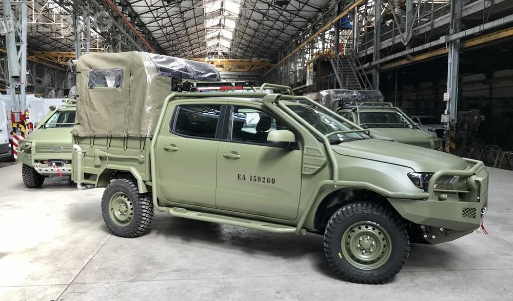 Siły zbrojne Argentyny odebrały pierwsze zmilitaryzowane samochody Ford Ranger. Zastąpią wprowadzone dosłużby ponad czterdzieści lat temu wozy Daimler-Benz 230G / Zdjęcia: Igarreta