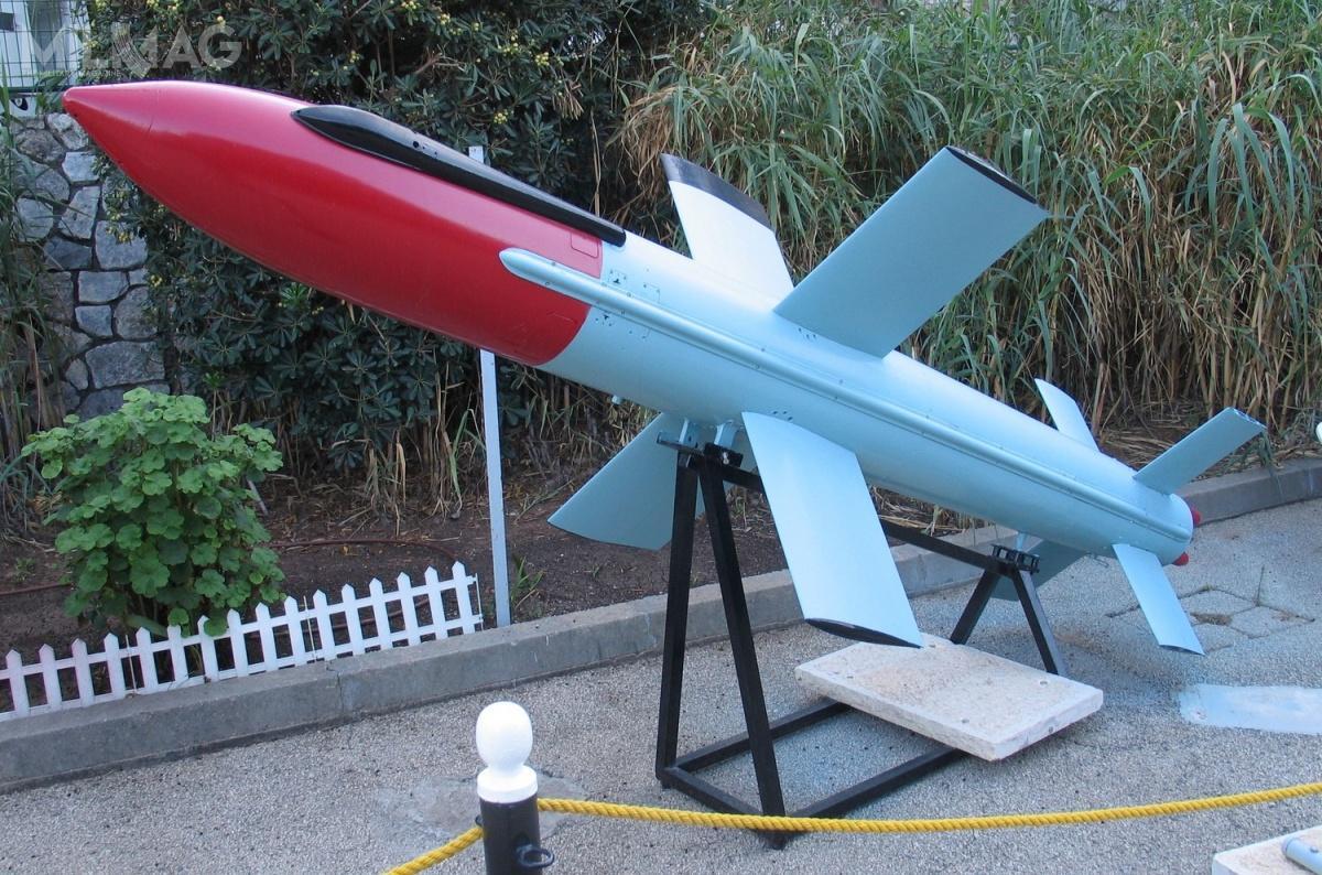 Israel Aerospace Industries oferuje obecnie piątą generację przeciwokrętowych pocisków kierowanych Gabriel V Advanced Naval Attack Missile. Rakiety są wsłużbie od1962, prace nadnowy modelem rozpoczęły się napoczątku lat 2000. Zasięg Gabrieli to150 km / Zdjęcie: IAI