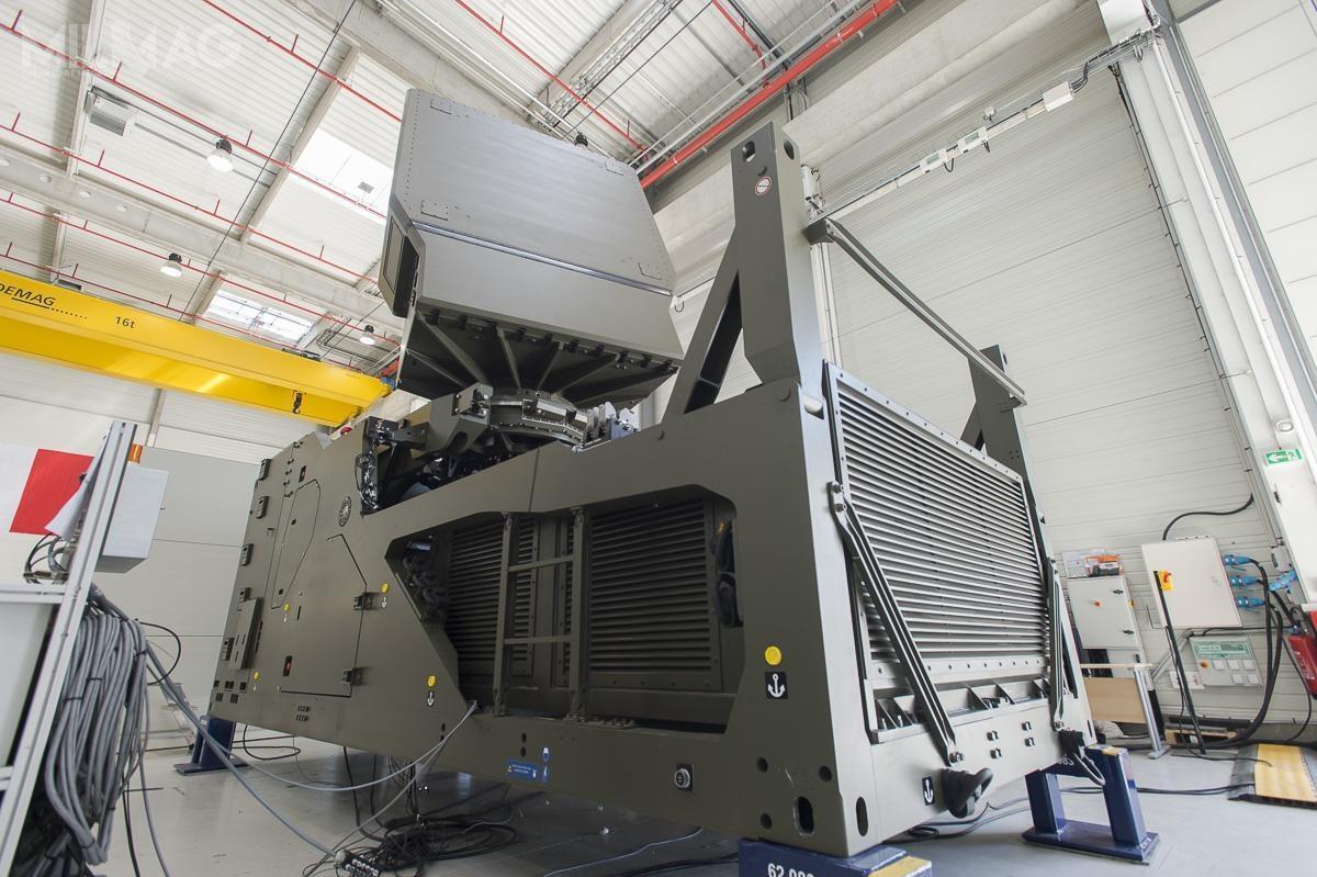 Nowy radar GF400 będzie stanowił główny czujnik systemu obrony przeciwlotniczej iprzeciwrakietowej średniego zasięgu nowej generacji SAMP/T NG, któryzgodnie zharmonogramem wejdzie dosłużby zapięć lat. / Zdjęcie: DGA