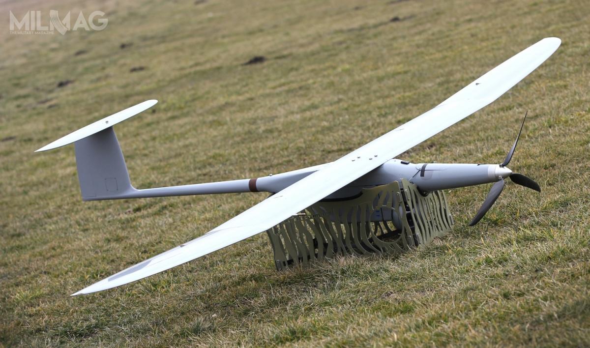 Jednym zpotencjalnych dostawców mniejszych bsl może być Grupa WB, produkująca wPolsce bezzałogowy system powietrzny FlyEye. Statek ma maksymalną masę startową 12 kg ijest przeznaczony dorealizacji zadań zwiadu irozpoznania / Zdjęcie: Grupa WB