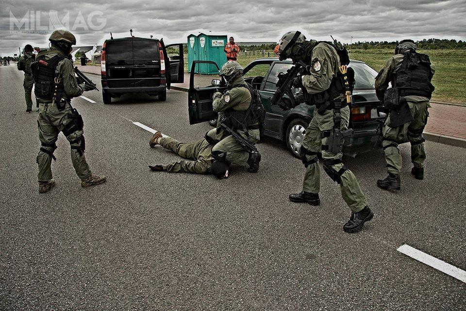 Zamawiane przezKomendę Główną Policji hełmy trafią prawdopodobnie dopododdziałów kontrterrorystycznych: Centralnego Pododdziału Kontrterrorystycznego Policji BOA iSamodzielnych Pododdziałów Kontrterrorystycznych Policji (SPKP) / Zdjęcie: BOA