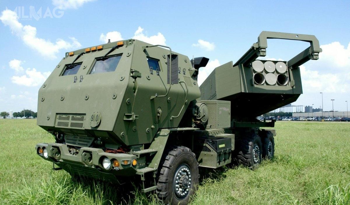 Polska zamówiła łącznie 20 wyrzutni wieloprowadnicowego systemu rakietowego M142 HIMARS, które są posadowione napięciotonowych samochodach ciężarowych rodziny Oshkosh FMTV. / Zdjęcie: Lockheed Martin