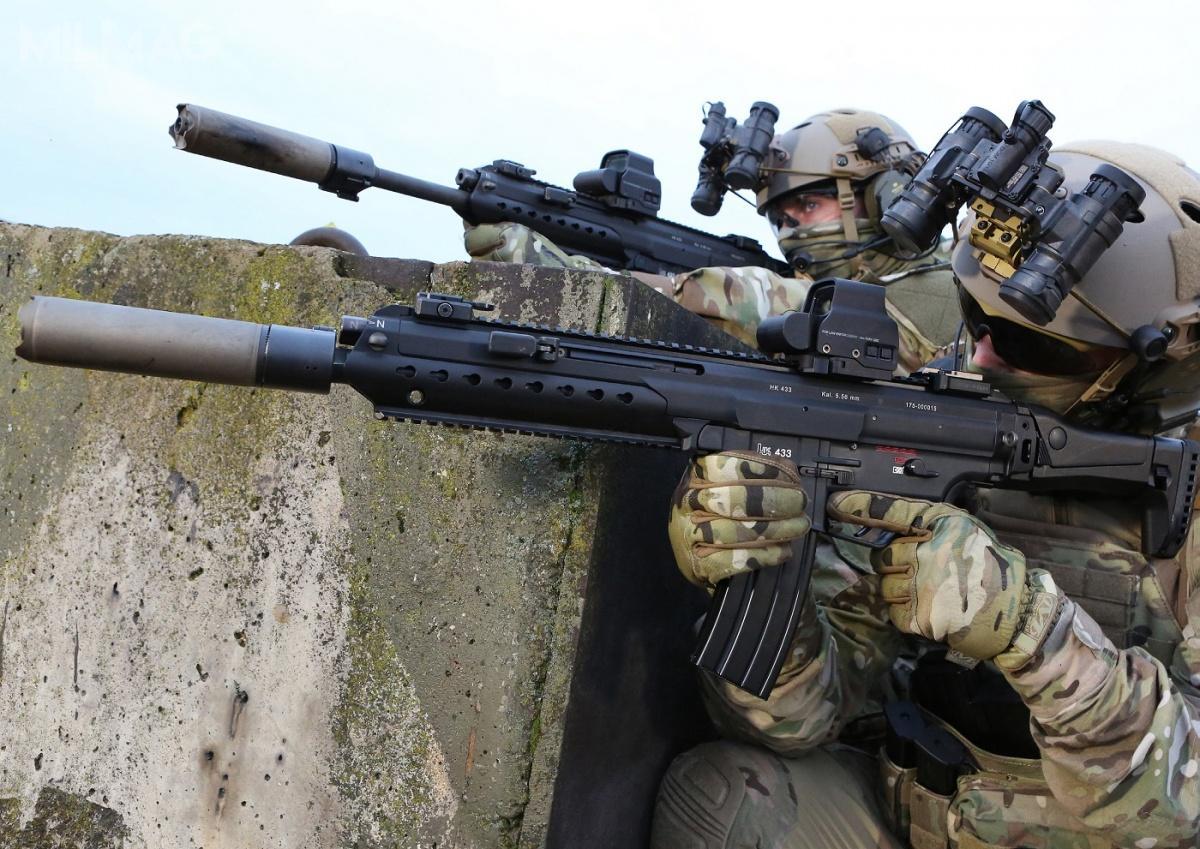 Do niemieckiego postępowania ma przystąpić obecny producent G36, czyli Heckler & Koch, oferujący karabinki HK416, HK433 (nazdjęciu) lub HK417, jak też inni producenci SIG Sauer zmodelem MCX, Rheinmetall zmodelem RS556. Postępowanie jest otwarte nietylkonadostawców zterenu Unii Europejskiej, aletakże spoza jej obszaru / Zdjęcie: Heckler & Koch