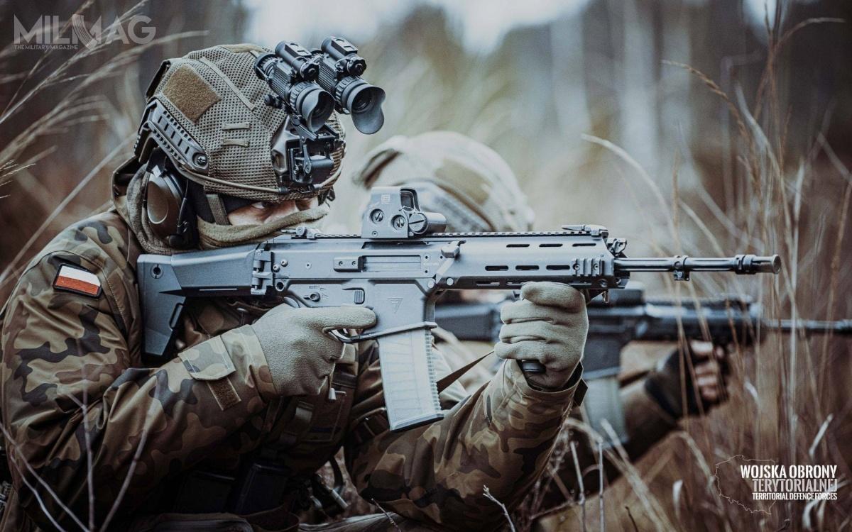 Na wyposażenie Sił Zbrojnych RP trafiło już 8tys. hełmów HP-05. Ich producentem jest Przedsiębiorstwo Sprzętu Ochronnego MASKPOL S.A., spółka wchodząca wskład Polskiej Grupy Zbrojeniowej / Zdjęcia: WOT