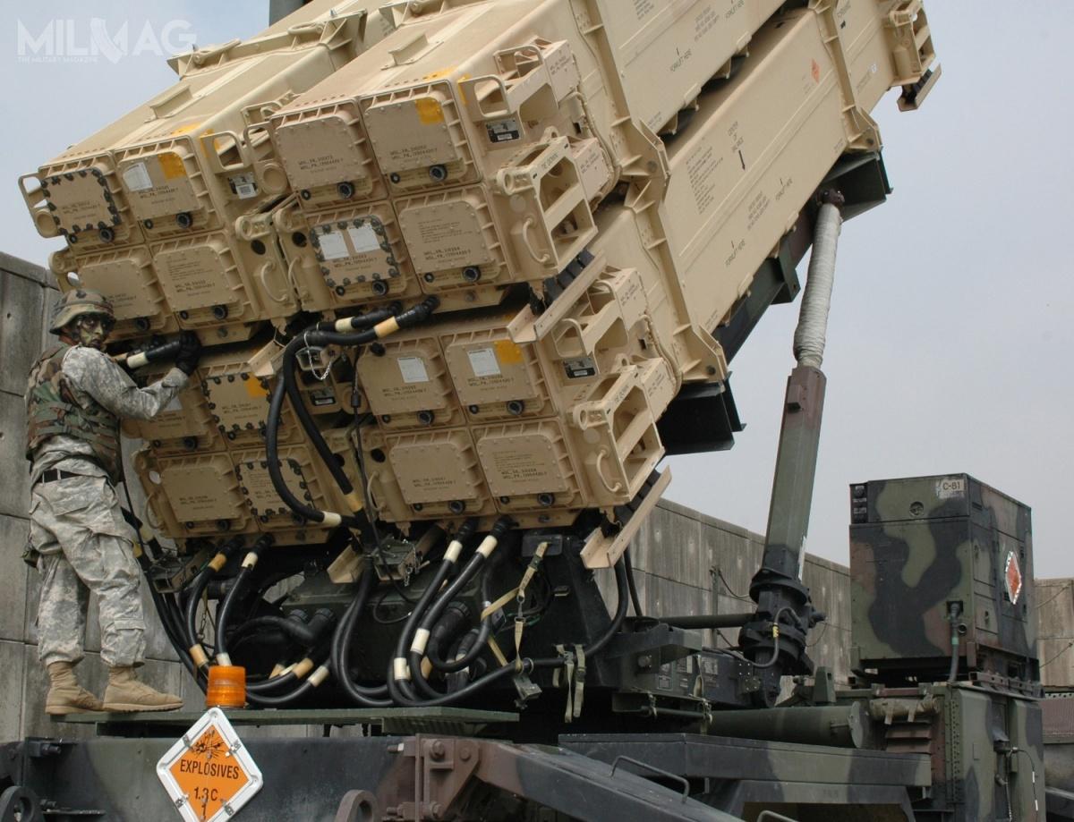 Podpisana umowa otworzy drogę douruchomienia kontraktu wykonawczego na16 wyrzutni M903 systemu Patriot dla Sił Zbrojnych RP, co ma nastąpić jeszcze w2018. /Zdjęcie: US Army