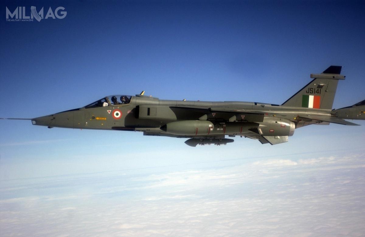 Indyjskie wojska lotnicze jako jedyny obecnie użytkownik, dysponują flotą około 120 samolotów myśliwsko-bombowych SEPECAT Jaguar wwersjach IS, IB iIM, które przechodzą modernizację dostandardu DARIN III. /Zdjęcie: USAF