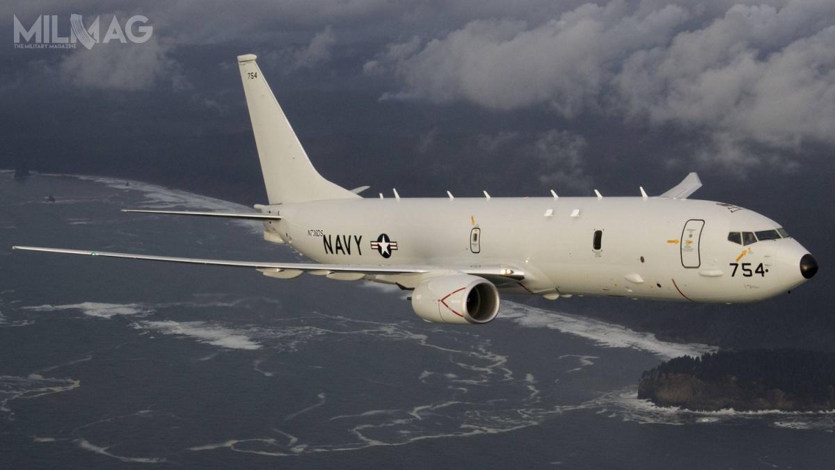 P-8A Poseidon tozmodyfikowany Boeing 737-800, dostosowany doroli morskiego samolotu rozpoznawczego ipatrolowego. Jest przeznaczony dowykrywania orazwalki zokrętami podwodnymi inawodnymi. Został wyposażony wradar nowej generacji AN/APY-10 zsyntetyczną aperturą / Zdjęcie: Boeing