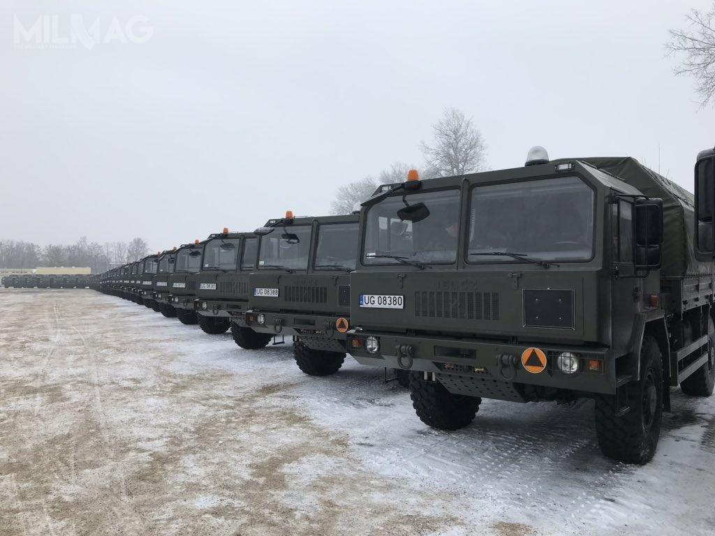 Na potrzeby programu Wisła Jelcz dostarczy 73 pojazdy wsześciu wersjach specjalnych, wtym 61 wukładzie napędowym 8x8 i12 wukładzie 4x4 / Zdjęcie: Ministerstwo Obrony Narodowej