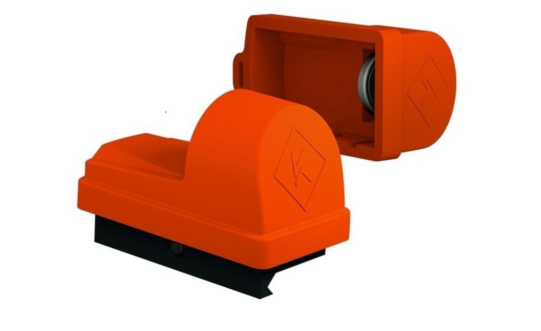 Celownik kolimatorowy HELIA dostarczany jest zpomarańczową nakładką zabezpieczającą, wktórejwygospodarowano miejsce nadodatkowe baterie