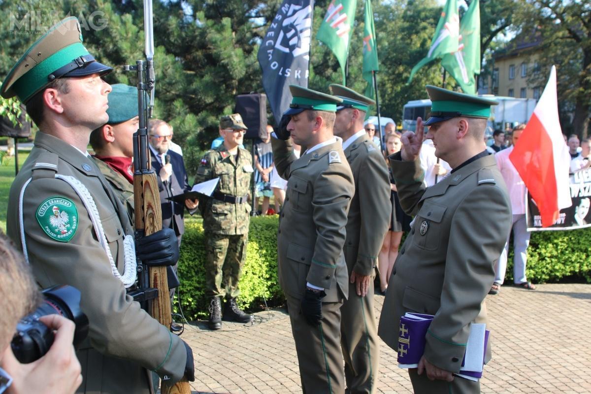 Kompania Reprezentacyjna Straży Granicznej wNowym Sączu używa obecnie samopowtarzalnych karabinków ksS (Simonowa) nanabój 7,62 mm x 39. / Zdjęcie: KaOSG